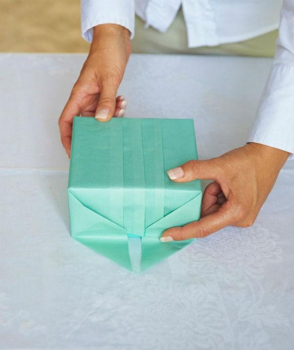 Как упаковать подарок не в коробке в бумагу 489